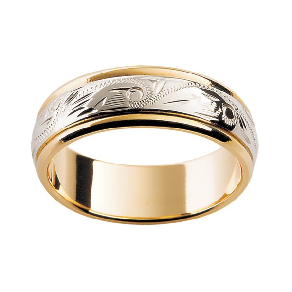 H5 beautiful two tone ring in a polish finish with hand engraved pattern