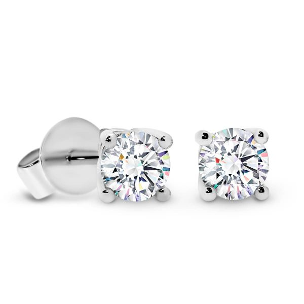Linnie 4.0 classic earring design with 4-prong setting