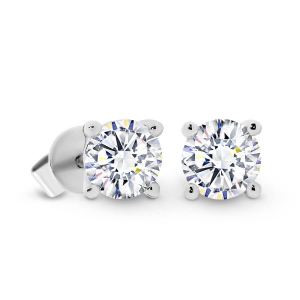 Linnie 5.0 classic earring studs with 4-prong setting