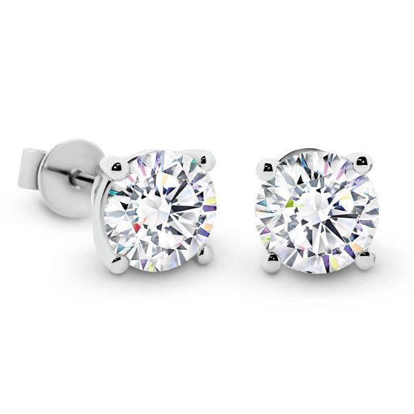 Linnie 6.5 4-prong stud earrings