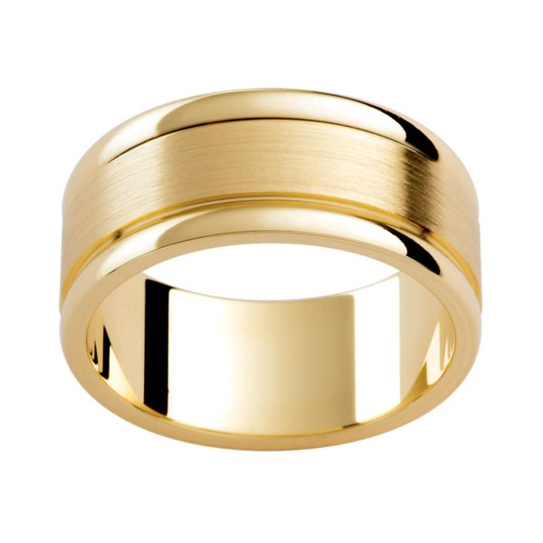 P279 flat band with semi-rounded edges divided by polished grooves in brushed yellow gold