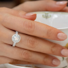 how to choose the metal for your engagement ring