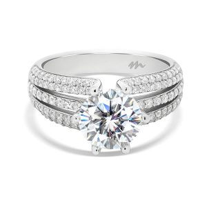 Dior 6 prong round ring on pave set triple band
