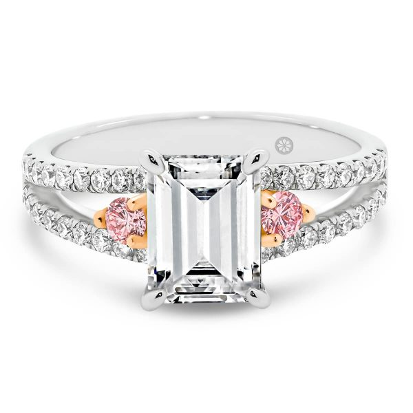 Sydney Emerald Pink lab-grown diamond ring